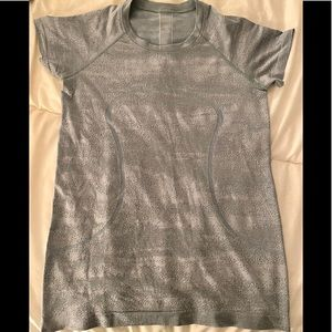 Lululemon Swiftly in rare Silver/chambray size 8